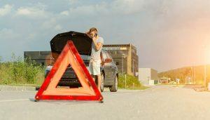 A vehicle emergency kit needs warning triangles