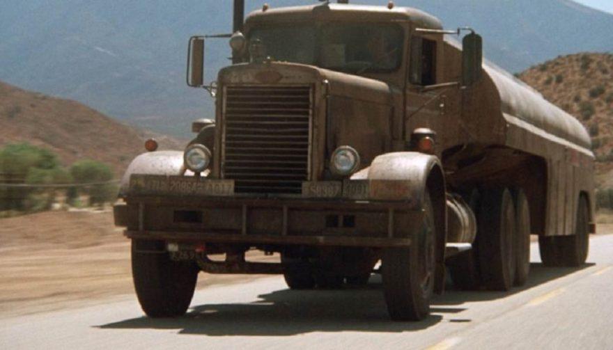 1955 Peterbilt 281 – Duel