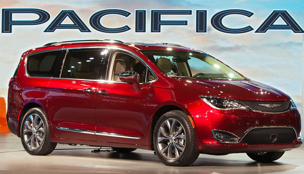 2017 Chrysler Pacifica Fca Goes All Out For Their Newest