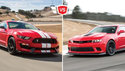 A Shelby GT350 nexts to a Camaro Z28