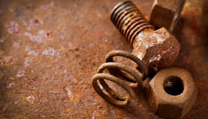 Rusty car screws and bolts show how difficult their removal can be