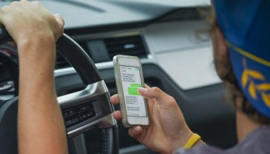 A new Washington distracted driving law prohibits the use of cell phones while driving