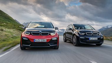 The BMW i3s and the BMW i3 on the road