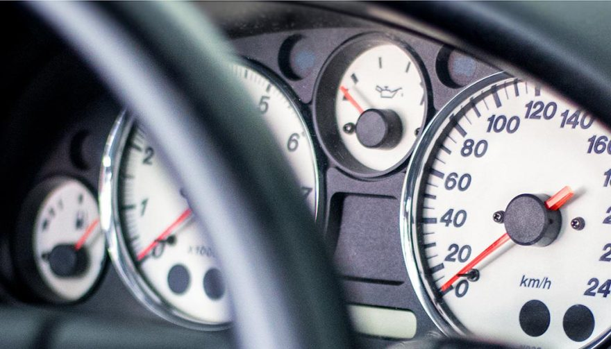 Oil Pressure Gauge Fluctuates While Driving: What's the Problem?