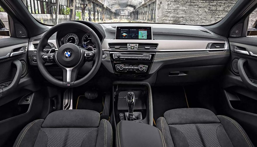 The interior of the 2018 BMW X2