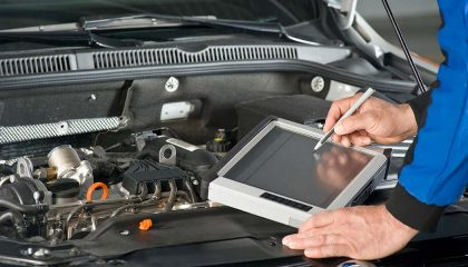 Car mechanic jobs now include working on a computer