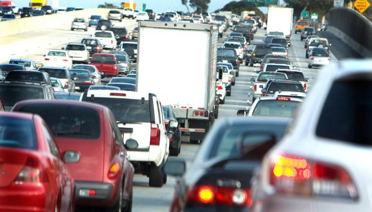 A large group of cars sits in the worst traffic in US cities