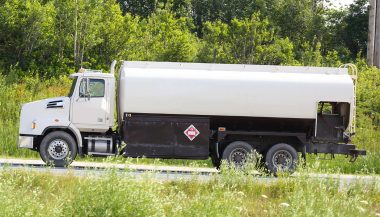 Types Of Fuel Trucks: Bobtail Fuel Tanker Truck