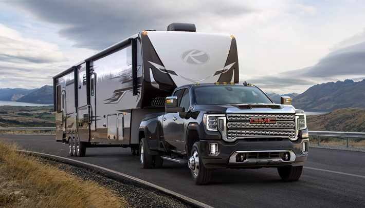 While it might not offer that nice round 1,000 lb-ft of torque of the Ram, the 2020 GMC Sierra HD is not exactly light on towing and hauling features