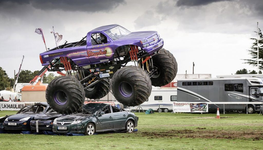 There's nothing quite like the best monster truck shows. From backflips to racing and everything in between, they spare nothing getting fans on their feet