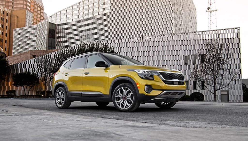 Small sizes don't mean low content. The best compact crossovers of 2020 deliver big features and big value. Plus small fuel consumption